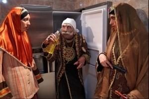 نوشیدن آخرین جرعه قهوه تلخ توسط مهران مدیری