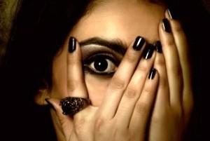 دختر 17 ساله و نگون بخت در دام سیاه
