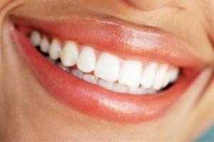 تغذیه ی درست برای داشتن دندان هایی سفید