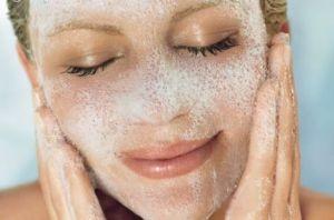 بهترین پاک کنندۀ پوست