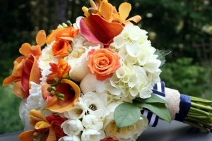 چه گل هایی برای دسته گل عروس مناسب است