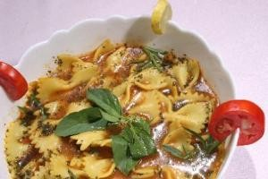 طرز تهیه سوپ ماکارونی فرمی