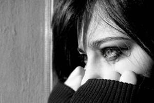 دستگیری دختر نوجوان با کفش کتانی در دربند