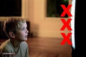 جنون تماشای فیلم مستهجن مادری را بیچاره کرد!!
