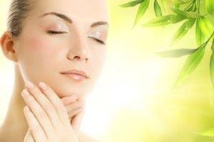 داشتن پوست زیبا و شفات تر با مواد طبیعی