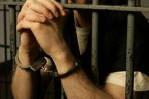 قتل فجیع زن زندانی در هنگام ملاقات با همسرش