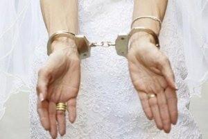 دستگیری عروسی در شب عروسیاش؟!!
