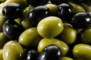 زیتون سبز بهتر است یا زیتون سیاه