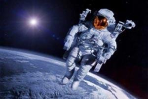 چه کسی لباس فضانوردان را می شوید!!
