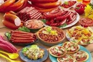 لاشه های خراب گوشت در غذاهای آماده!!