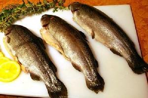 راه های از بین بردن بوی بد ماهی