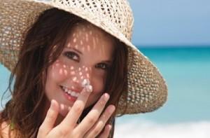 بهترین ضد آفتاب ها و راهنمای استفاده