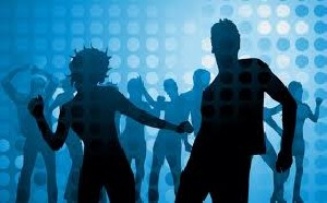 رقص دختران و پسران در سینما