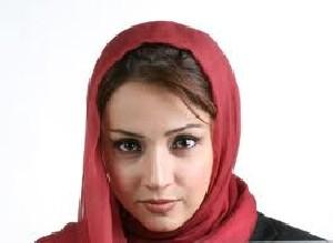 علت مهاجرت شبنم قلی خانی از ایران