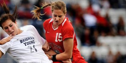 عکس های دیدنی خشن ترین فوتبالیست زن جهان!