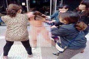 علت ضرب و شتم زن کاملا برهنه در خیابان + تصاویر مشمئز کننده